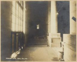 [7th Avenue vestibule]